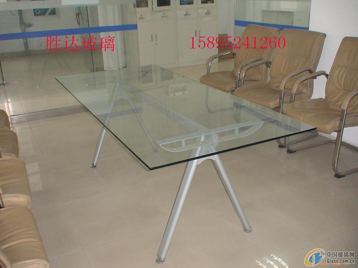 餐桌墻上貼玻璃效果圖