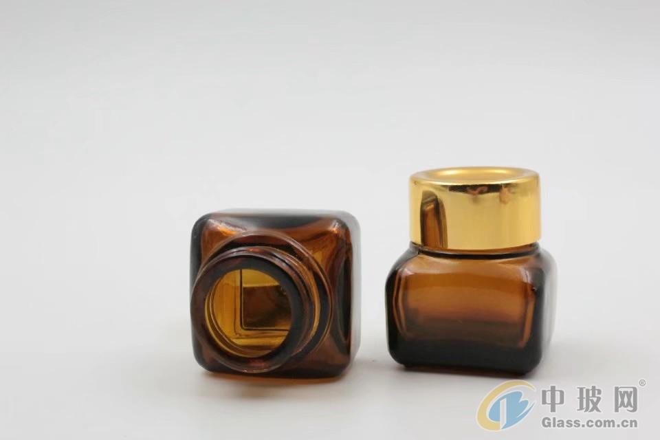 化妆品玻璃瓶 化妆品包装瓶厂家