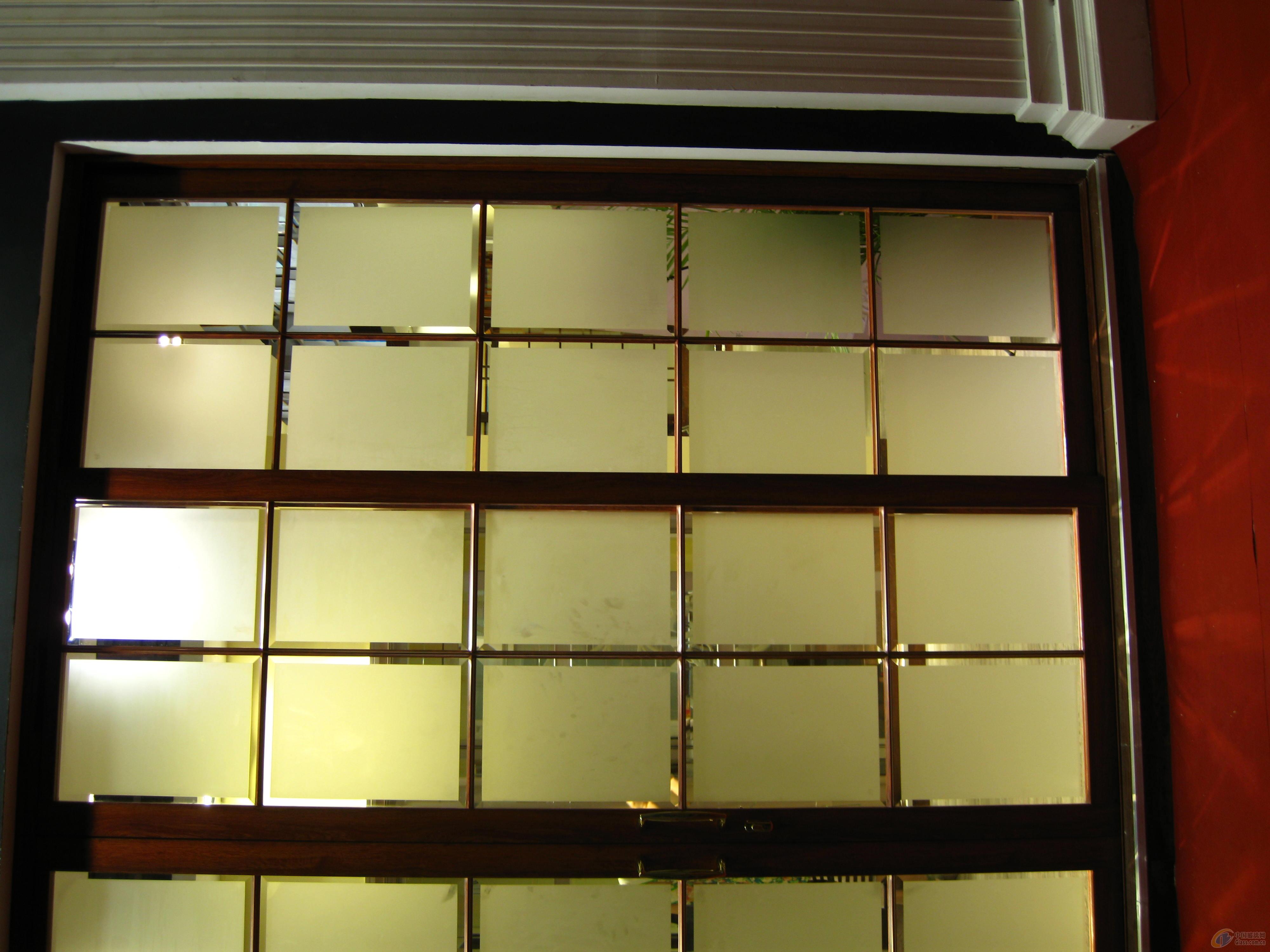 蒙砂玻璃-中国玻璃网推荐