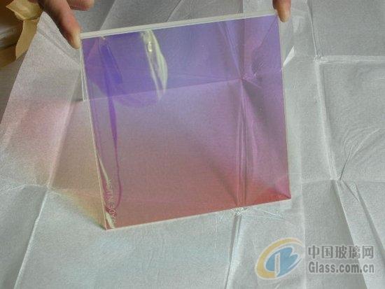 LED投影太阳光控玻璃隔热良好