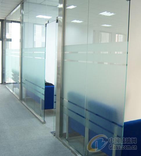 家居玻璃贴上膜更安全更健康