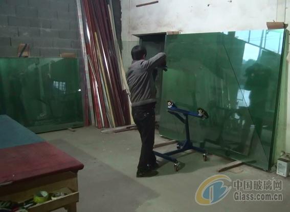 千元级玻璃吸盘搬运上片台车