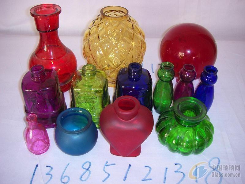 各种喷色玻璃瓶罐