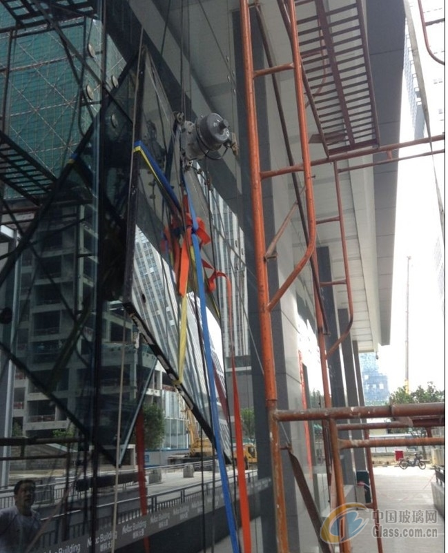 广州珠海深圳玻璃幕墙维修公司