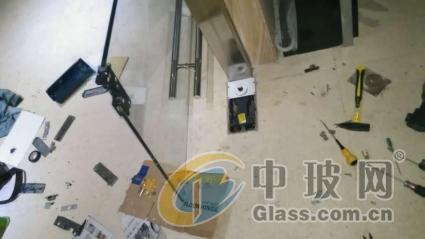 上海虹口区上门换玻璃电话 上门装淋浴房玻璃