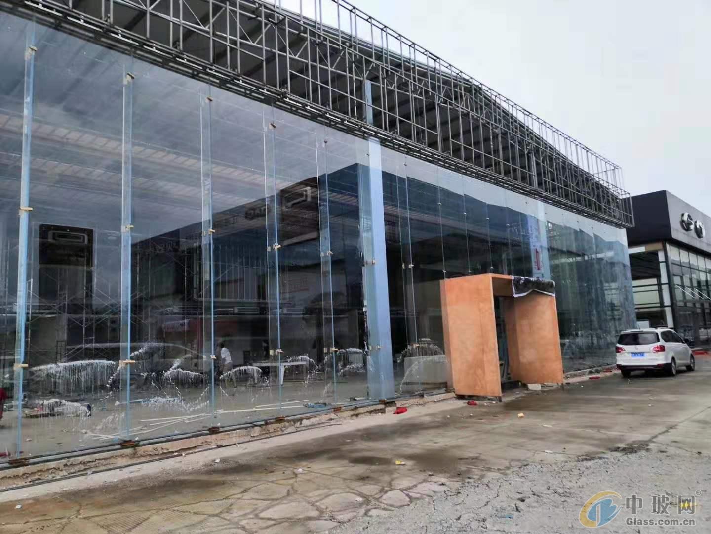 本田丰田江淮汽车展厅19毫米吊挂6米高钢化玻璃