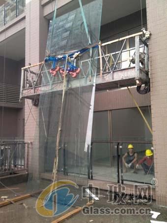 超大钢化玻璃安装