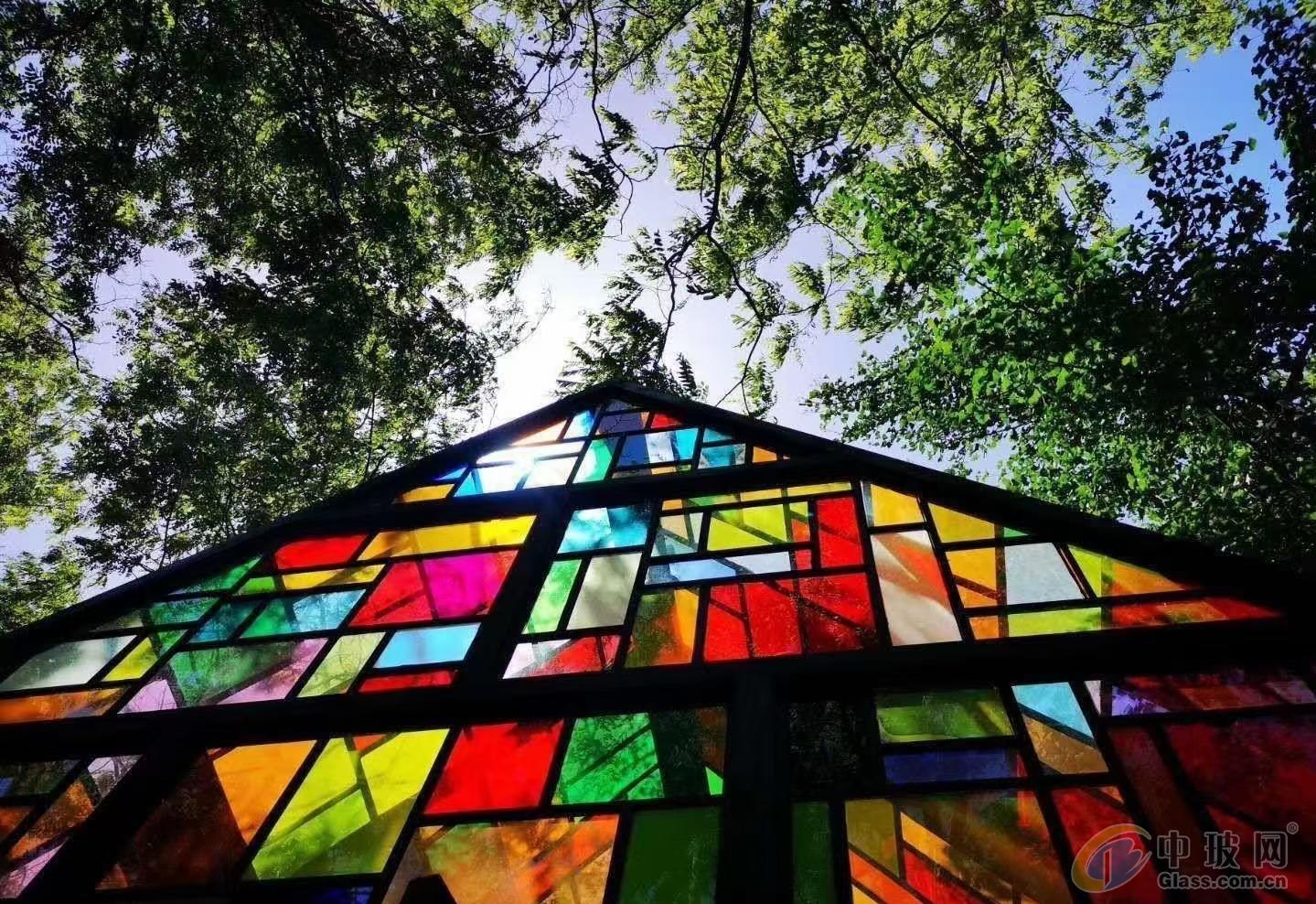 彩色玻璃、艺术玻璃、有色玻璃、镀膜玻璃、数码打印玻璃、图案玻璃、彩釉玻璃