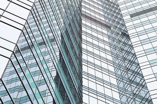 建筑玻璃幕墙图集_高层建筑幕墙玻璃破损怎么维修更换 幕墙玻璃安装的具体步骤是 ...