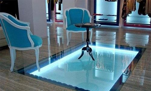 玻璃地板-玻璃地面安装方法有哪些  施工安装钢化玻璃的工艺