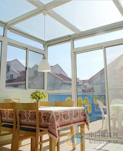 提供优质的家具玻璃,装饰玻璃,建筑玻璃,艺术玻璃等,
