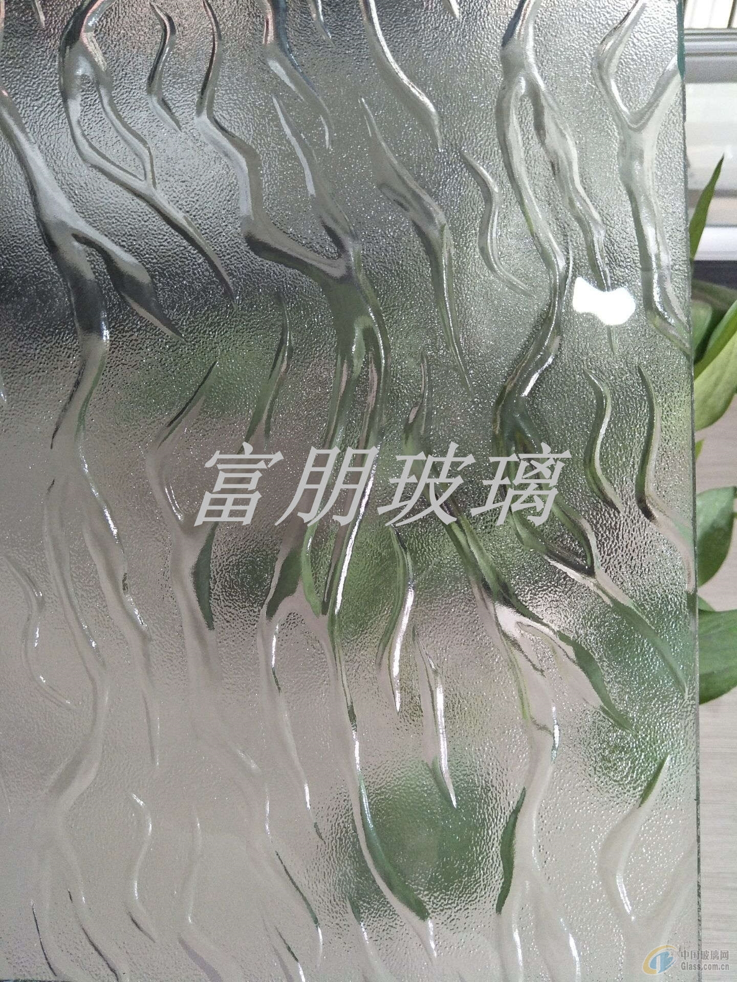 供应山东青岛金晶压花平安彩票pa99.com火焰 金碧莎 金元