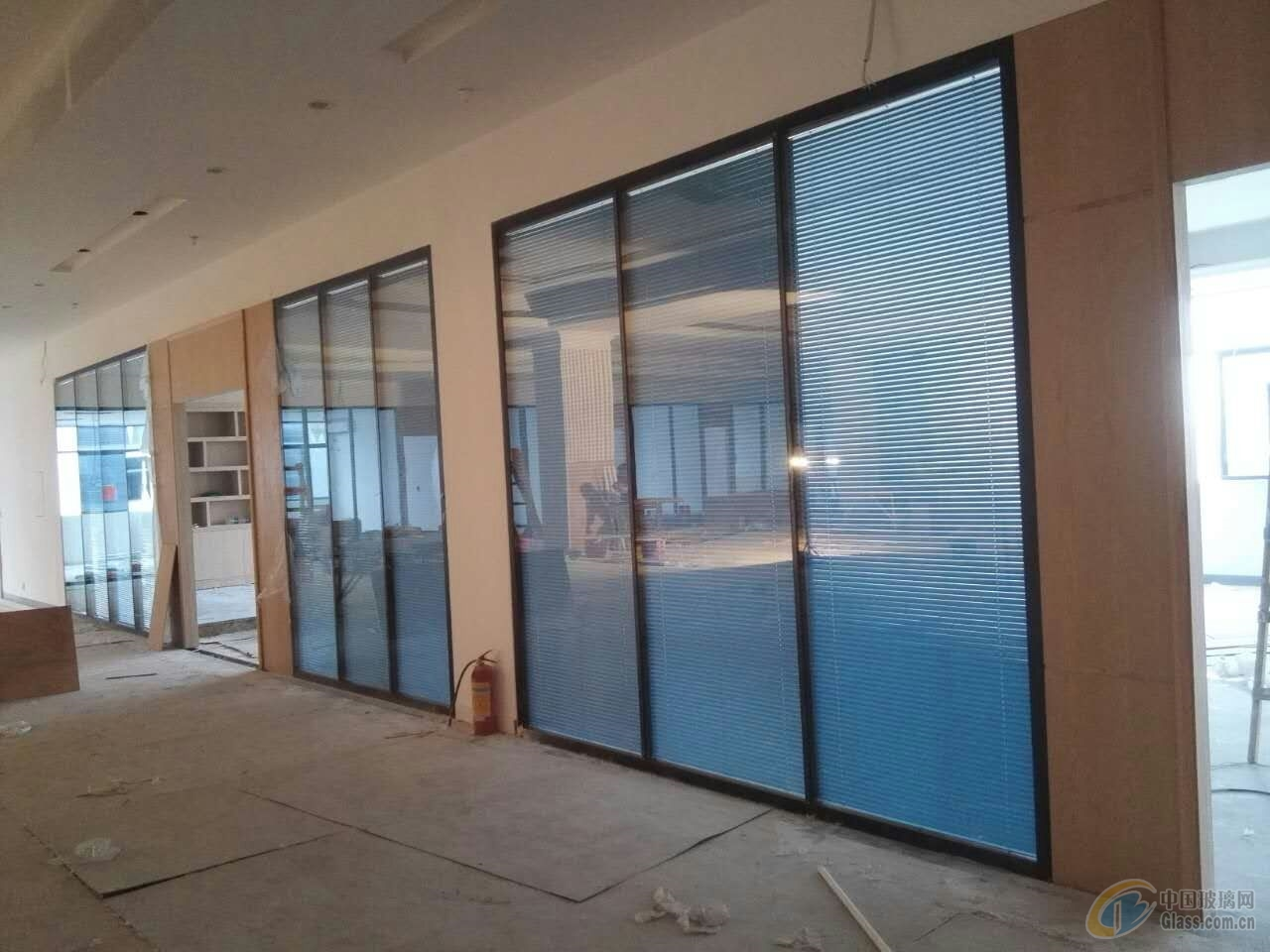 深圳办公室铝合金玻璃隔间 价格