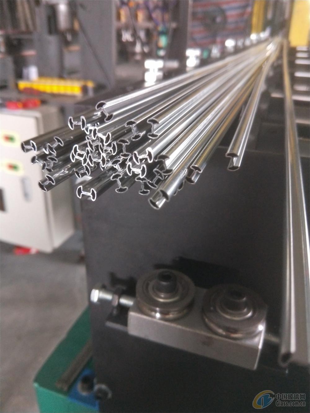 镶嵌门内条外条自动折边成形铜条机设备
