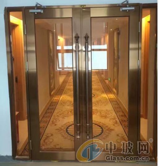 四川成都玻璃防火门酒店入户门楼梯间消防设施