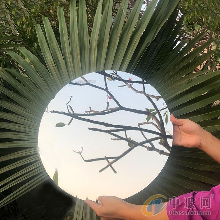 清新美感镜面玻璃 不同角度展现不一样的镜面视觉效果