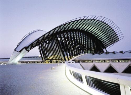 中国玻璃产业大会在杭州举行!