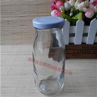 供应马口铁盖丝口玻璃奶瓶,徐州全业玻璃制品有限公司,玻璃制品,发货区:江苏 徐州 徐州市,有效期至:2019-11-08, 最小起订:1000,产品型号: