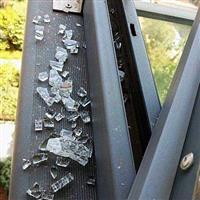 上海配钢化玻璃/黄浦区文件柜玻璃门碎了配玻璃