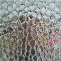 供应压花玻璃,品种齐全,全国销售,沙河市金巨金玻璃有限公司,装饰玻璃,发货区:河北 邢台 沙河市,有效期至:2021-05-14, 最小起订:1,产品型号: