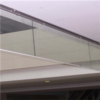 成都剛性擋煙垂壁玻璃型定制