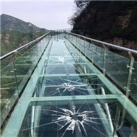 玻璃3D互動棧道效果明顯LED透明屏
