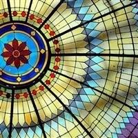 為設計師們帶來更多創意和靈感的彩釉玻璃