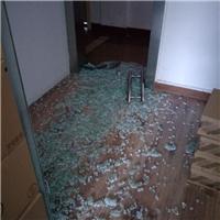 上海徐汇区办公室玻璃门爆开了配玻璃