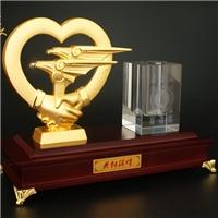 專業設計定制公司開業周年紀念品 辦公筆筒擺件