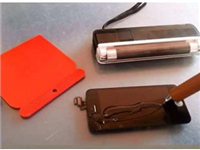 手机触摸屏玻璃有何特点  触摸屏电阻与电容的区别
