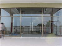 无框玻璃门有何特别之处  玻璃门安装施工操作步骤