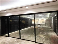 玻璃门的特点种类与区别  玻璃门清洁表面有何方法