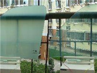 光致变色玻璃的工作原理  办公隔断玻璃种类及特点