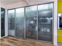 餐厅玻璃推拉门怎么选择  推拉玻璃门什么材质更好