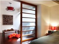 哪种玻璃隔断装饰效果好  该怎样清洁保养玻璃家具