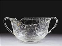 我国古代早已有了玻璃制品,只是今日廉价的玻璃,在古代价值极高
