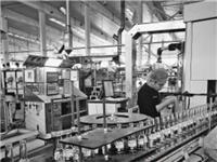 """狮山企业华兴玻璃""""快而好""""的质造之道:引入新检测设备""""踢""""出不良品"""