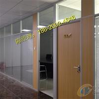 广东领导办公室玻璃隔断上画什么山水画较好