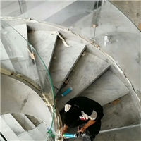 楼梯玻璃加工