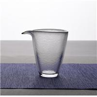 美璃日式锤纹玻璃描金公道杯