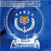 海军70周年纪念品订做 部队周年礼品推荐 水晶办公摆件